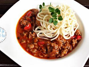 Sos wieprzowo - wołowy z papryką i pomidorem