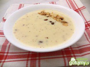 Migdałowa zupa mleczna