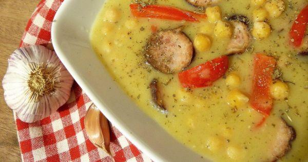 Grochowa zupa krem z ciecierzycą
