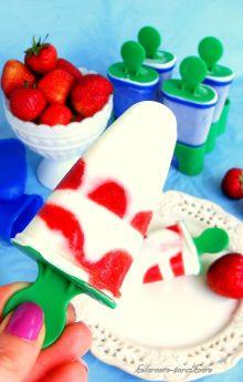 Lody jogurtowe z truskawkami