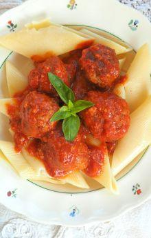 Pulpety w sosie bazyliowo-pomidorowym