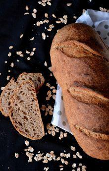 Chleb pszenno-orkiszowy z płatkami