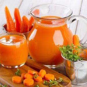Sok z marchwi pomarańczowej