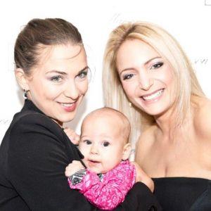 Jadwiga Gryn z córeczką i Sandra Massoud