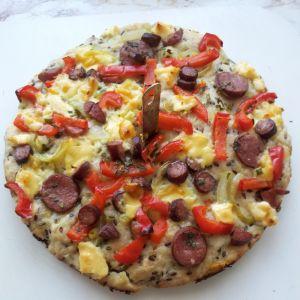 Pizza z siemieniem lnianym