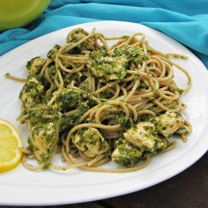 Spaghetti razowe ze szpinakiem