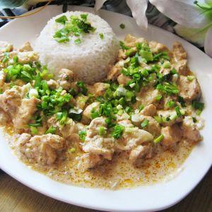 Kurczak w sosie cebulowo-czosnkowym