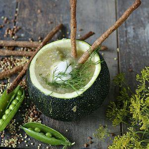 Zupa z sezonowych warzyw z kaszą jaglaną i gryczanymi paluszkami