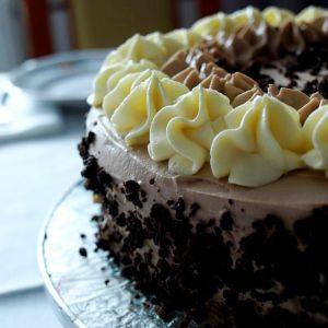 Tort z kremem adwokatowym i kawowym