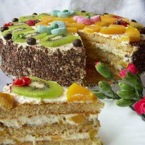 Tort brzoskwiniowo-śmietanowy z nutą agrestu i kiwi wg Di