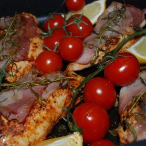 Pieczony kurczak z cytryną i pomidorami