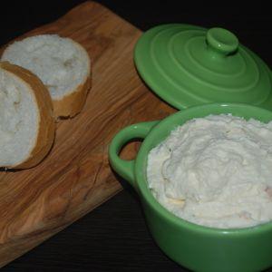 Tirokafteri - grecka pasta do chleba z fety