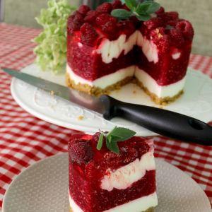 Ciasto malinowe z waniliowym obłoczkiem