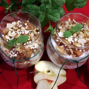 deser z chia i prażonymi jabłkami