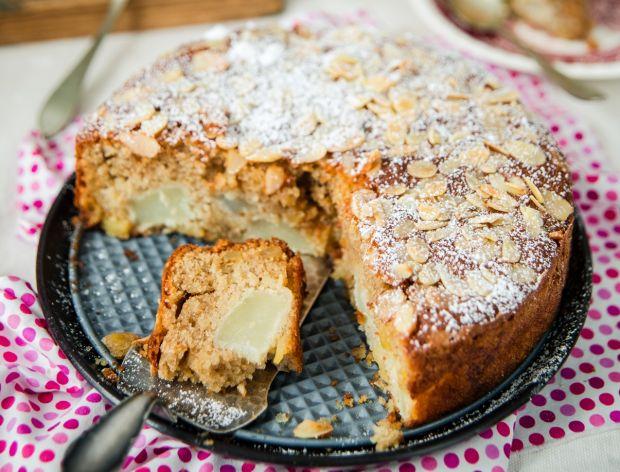 Ciasto migdałowe z gruszkami i imbirem