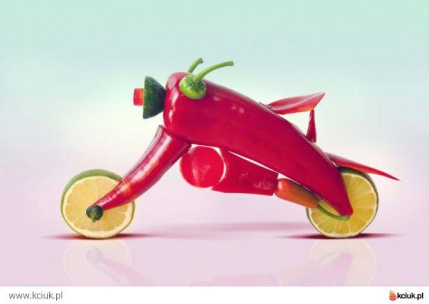 Paprykowy motocykl
