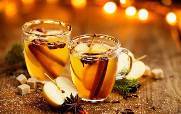 Herbata z jabłkiem